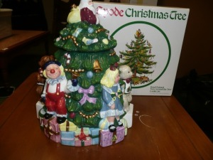 SPADE CHRISTMAS TREE HAND PAINTED COOKIE JAR