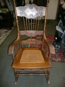 ANTIQUE ROCKING CHAIR WITH CANE BOTTOM