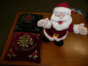 MUSICAL SANTA AND TWO DECORATIVE CHRISTMAS PILLOWS