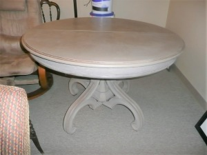 RUSTIC ROUND FARMHOUSE DINING TABLE WITH LEAF