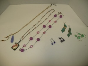 LOT OF COSTUME JEWELRY NECKLACES AND EARRINGS