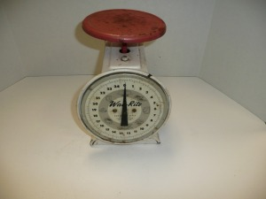 VINTAGE WAY RIGHT RED AND WHITE 25 LB TABLE SCALE