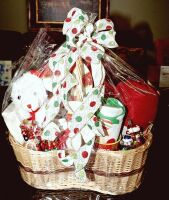 LARGE HOLIDAY GIFT BASKET WITH A LITTLE BIT OF EVERYTHING