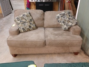 KLAUSNER BRAND 5 FT SOFA