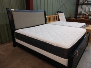 VERY NICE STANDARD FURNITURE BRAND KING SIZE BED, INCLUDES HEADBOARD WHICH IS PADDED, FOOTBOARD, SIDE RAILS, MATTRESS IS NOT PART OF THE SELLING PRICE BUT BUYER CAN HAVE THEM IF THEY WANT THEM, SIERRA SLEEP BRAND