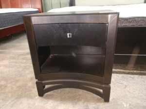 VERY NICE SINGLE DRAWER NIGHTSTAND, 16-IN X 24-IN X 27-IN HIGH
