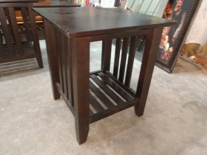 VERY NICE END TABLE, 22-IN X 22-IN X 25-IN HIGH, HAS SOME SCRATCHES, DOES MATCH LOT 1041