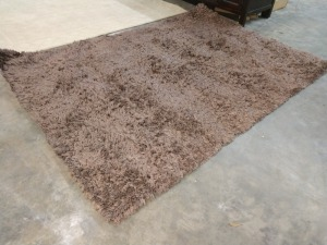AREA ROOM RUG, 60-IN X 89-IN, HAS SHORT SHAG PILE