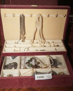VINTAGE JEWELRY BOX AND ESTATE JEWELRY - MBR