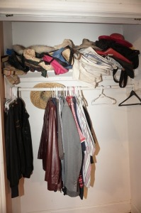 CONTENTS OF MBR CLOSET INCLUDING TRUE VINTAGE FUR STOLE, MEN'S LEATHER JACKET, PURSES, LADIES HATS, AND MORE - MBR