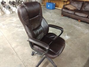Leather rolling swivel office chair