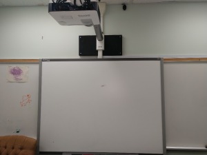 R2 LEFT... B E N Q SMART BOARD AND PROJECTOR ONLY