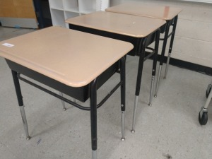 R4 RIGHT... SET OF THREE ADJUSTABLE HEIGHT STUDENT DESK