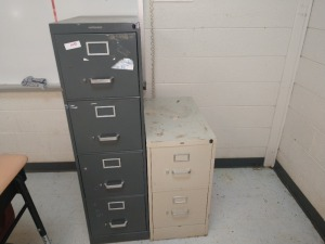 R4 LEFT... SET OF TWO FOUR-DRAWER AND TWO-DRAWER FILING CABINETS
