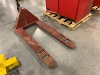 DAYTON BRAND PALLET JACK, WORKING CONDITION, 5500 LB CAPACITY, MODEL 4YX96 - 2
