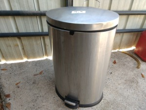 STAINLESS STEEL FLIP LID TRASH CAN WITH FOOT PEDAL, DOES WORK PROPERLY