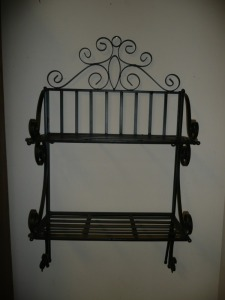 SMALL BLACK IRON WALL MOUNT SHELF