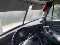 2007 Frieghtliner Conventional C Truck Tractor - 23