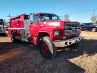 1987 FORD F-800, EMA VEHICLE, FIRE TRUCK, V I N NUMBER 1 F D Y T 8 4 A 7 H V A 2 4 8 2 1, MILES SHOWING 27419, SELLER STATES RUNS AND DRIVES, WAS DRIVEN TO THIS SITE FOR AUCTION