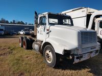 1992 INTERNATIONAL 8200 TRUCK / TRACTOR, MILES SHOWING 173209, VIN NUMBER 1HSHGA6R6NH397563, SELLER STATES RUNS AND DRIVES AND WAS DRIVEN TO THIS SITE FOR AUCTION