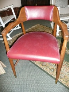 VINTAGE CAPTAINS ARMCHAIR