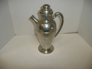VINTAGE 3 PINT PEWTER COFFEE POT