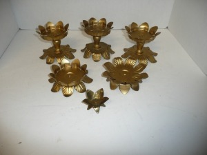 LOT OF METAL CANDLE HOLDERS