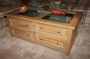 THOMASVILLE UNIQUE THROUGH-SLIDE 4 DRAWER COFFEE TABLE WITH BEVELED GLASS TOP PANELS - LR