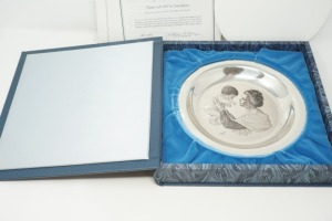 SOLID STERLING SILVER 1973 THE FRANKLIN MINT COLLECTOR PLATE, MOTHER AND CHILD BY IRENE SPENCER, APPROX. 6 OZ WEIGHT - LR