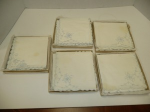 LOT OF VINTAGE LINEN NAPKINS