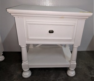 VERY NICE SINGLE DRAWER NIGHTSTAND, IN THE VERY POPULAR WHITE, 24-in x 16-in x 27-in tall