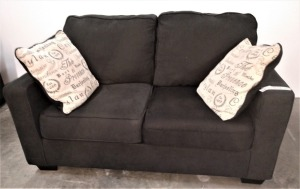 ASHLEY BRAND 5 FT LOVESEAT WITH THROW PILLOWS, MATCHES LOT 1035