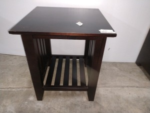 WOODEN END TABLE, MEASURES 22-IN X 22-IN X 25-IN TALL, DOES HAVE SOME SCRATCHES ON SURFACE SEE PICTURES