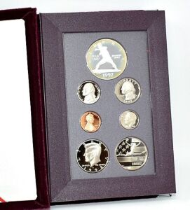 1992 SILVER PROOF OLYMPIC SILVER DOLLAR PRESTIGE SET IN BOX