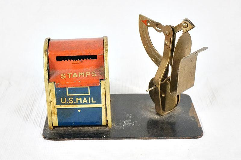 Lot 1030 Of 518 OLD 10 POSTAL SCALES AND STAMP DISPENSER