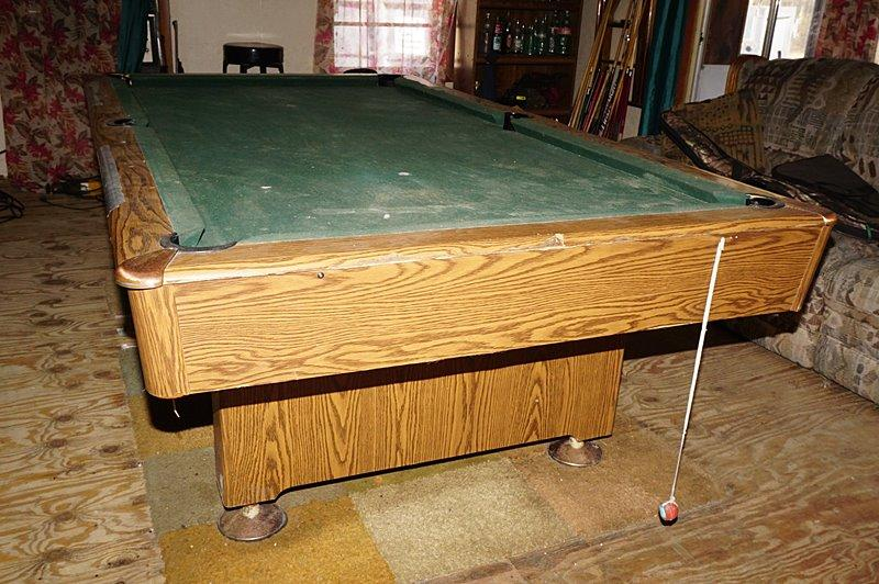 OLIO PROFESSIONAL SERIES POOL TABLE - Olio pool table