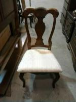 Beautiful dining room chair, very nice condition,
