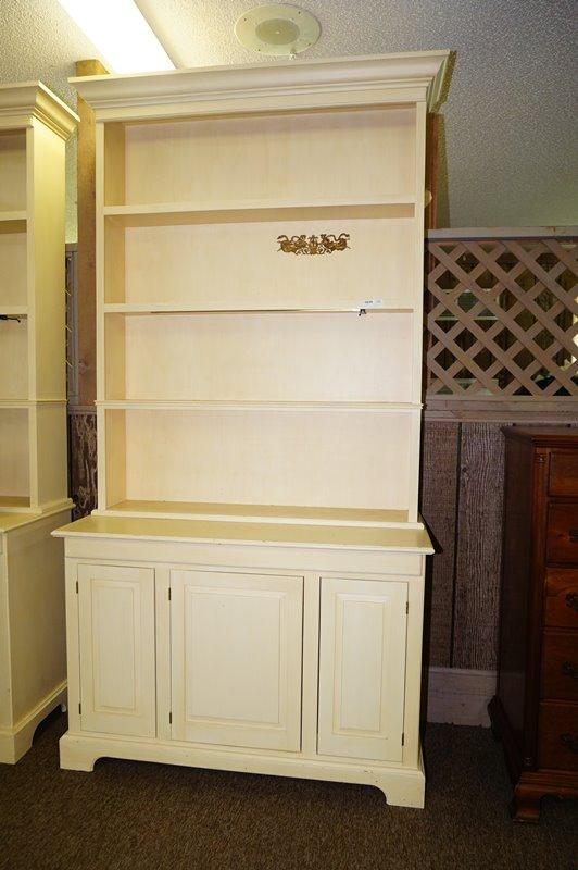 Lot 1030 Of 690 Large White Painted Wooden 2 Piece Lighted Open China Cabinet