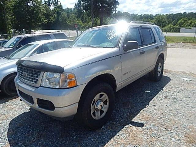 2004 ford explorer xlt v8